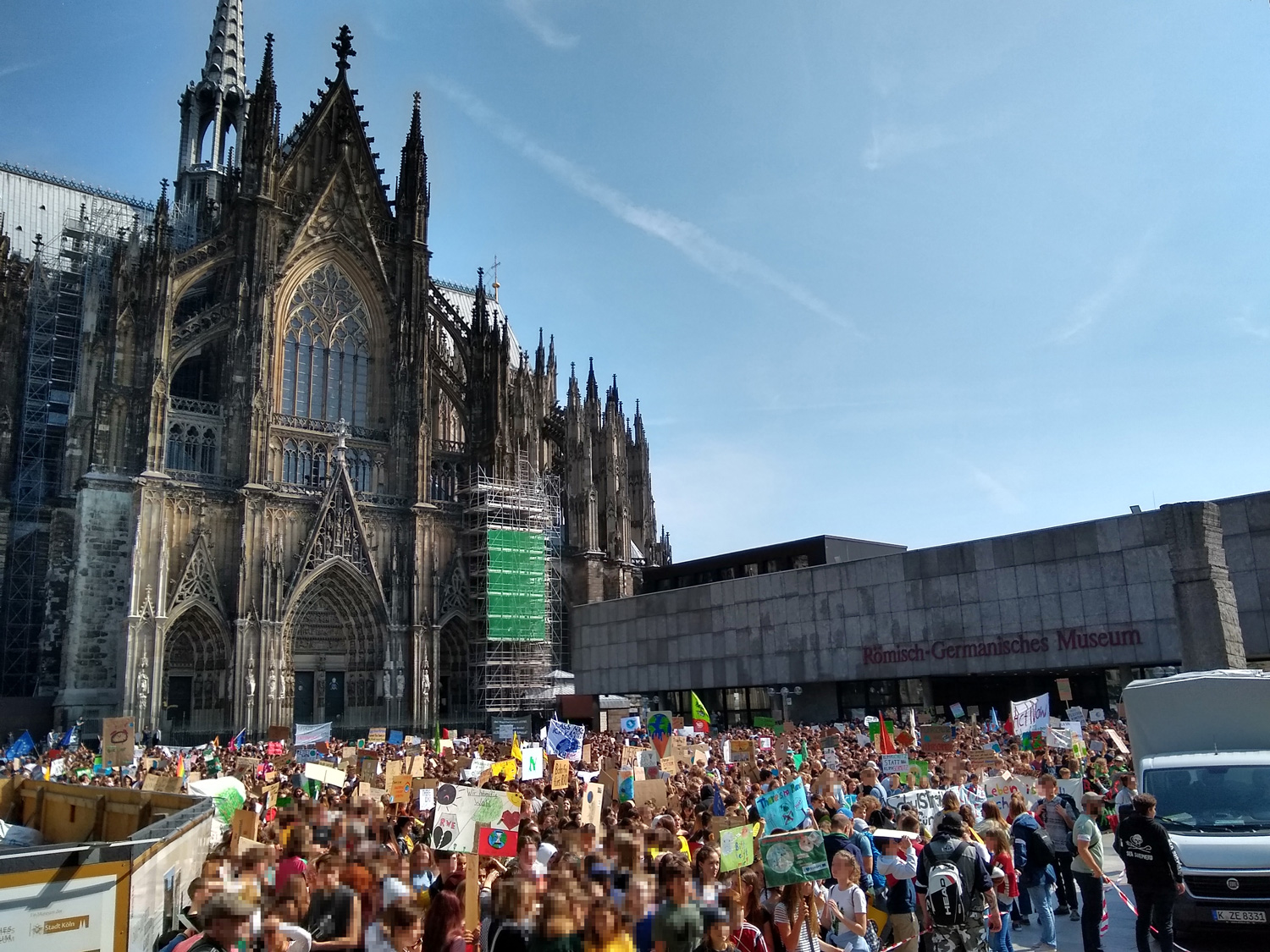 Big Strike Fridays for future Cologne May 2019