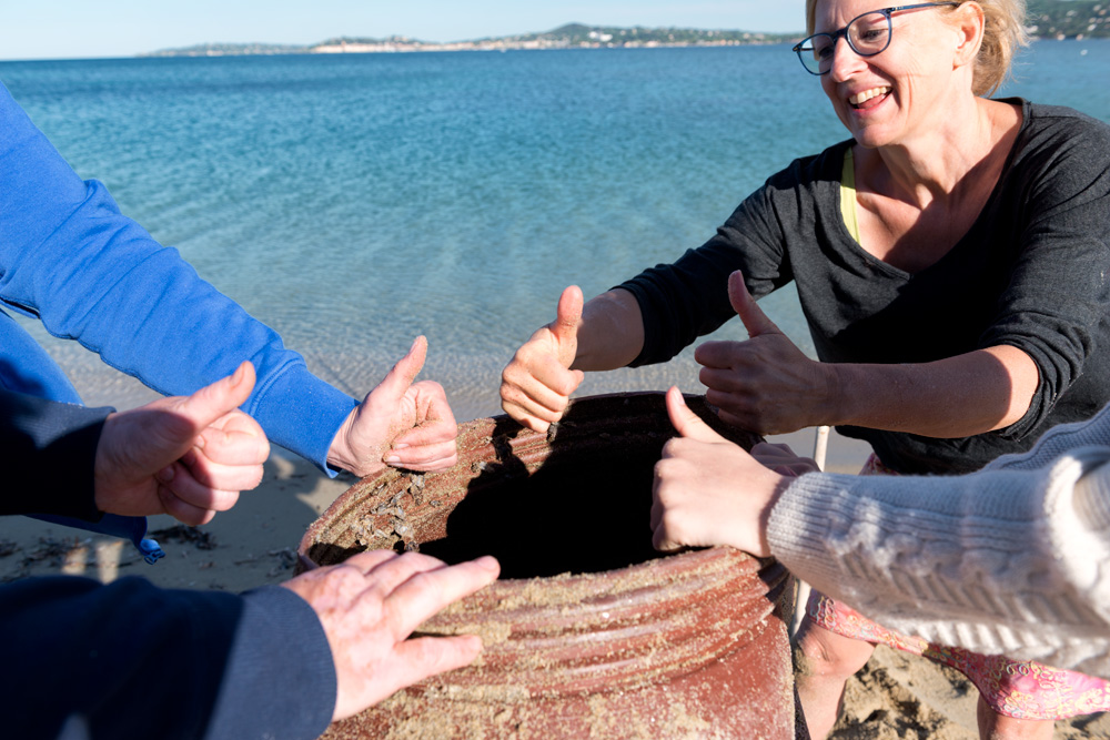Thumbs up for Greenpick's plastic waste collection campaign in Port Grimaud