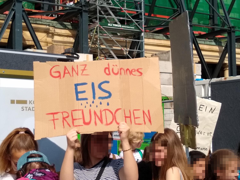Ganz dünnes EIS, Freundchen #FFF Köln 2019